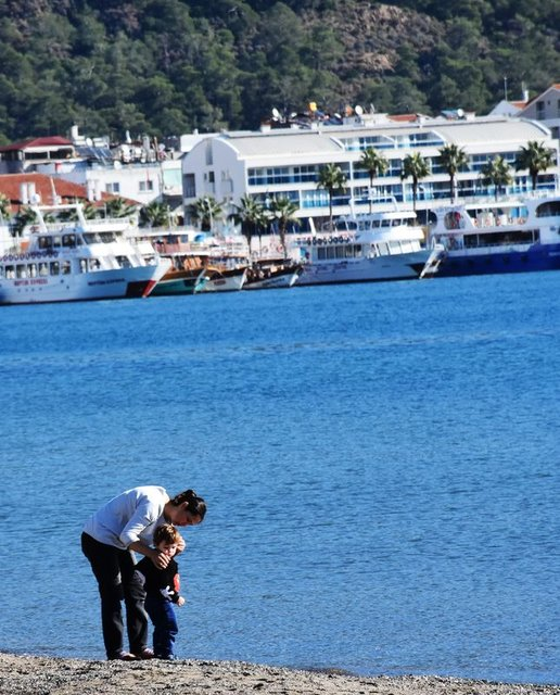Marmaris'te deniz tatili bitmiyor