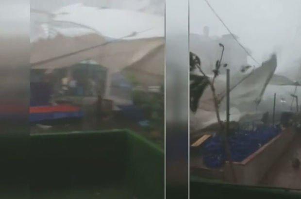 İstanbul'u vuran fırtınanın yeni görüntüleri! Üsküdar'da pazar alanını yerle bir etti