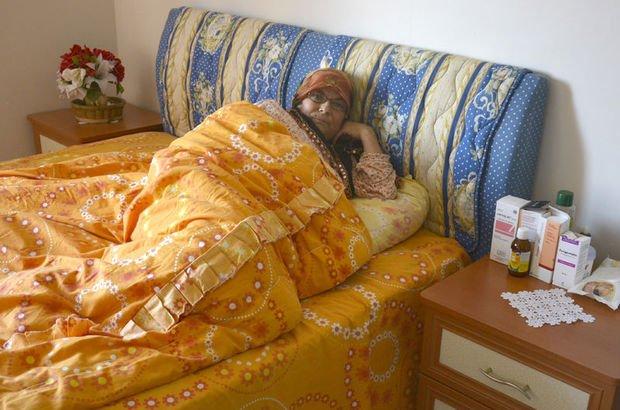 Kırşehir'de yaşayan Rukiye Ünver, karaciğer nakli olamayınca yatağa mahkum oldu