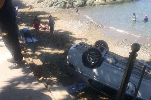 Yalova'da freni boşalan otomobil plaja daldı!