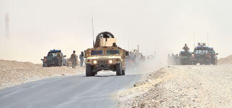 Afganistan'da NATO konvoyuna bombalı araç saldırısı!