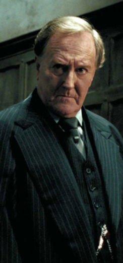 """Harry Potter'ın """"Sihir Bakanı"""" hayatını kaybetti!"""