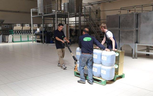 Akşehir'den G-8 ülkelerine aromatik bitkisel yağ ihraç ediliyor