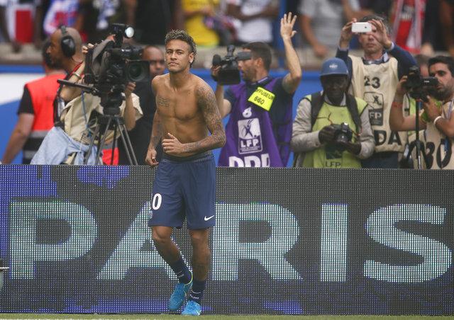 PSG, 222 milyon Euro'ya transfer ettiği Neymar'ı böyle tanıttı
