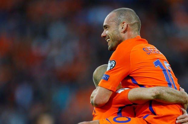 Belhanda yerine Sneijder!
