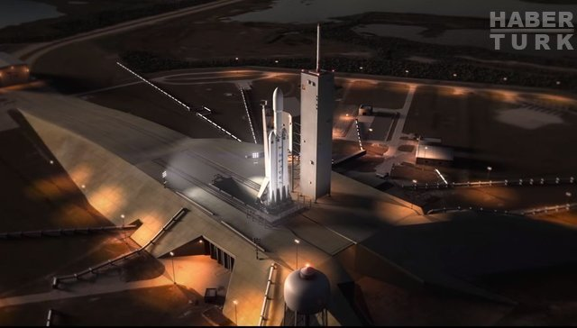 SpaceX dünyanın en güçlü roketi için çalışmalara başladı