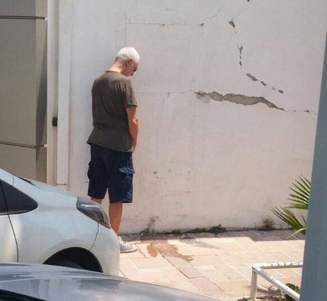 İlhan Şeşen, sokak ortasında tuvalet ihtiyacını giderirken görüntülendi