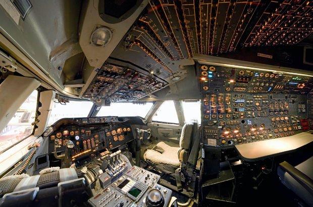 Boeing 777 kokpiti