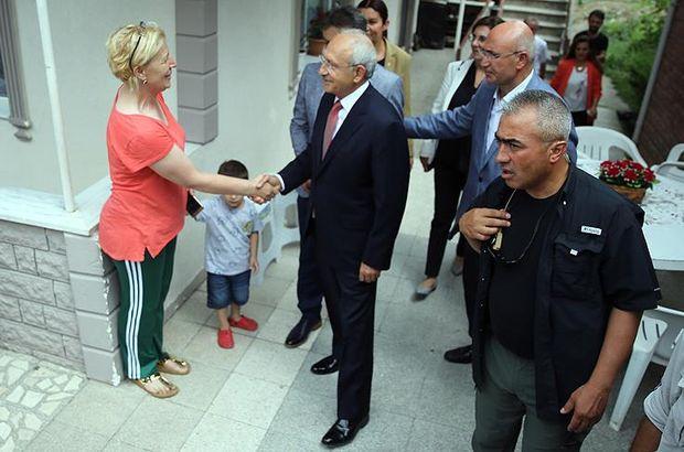 Kılıçdaroğlu felç geçiren ilçe başkanını ziyaret etti