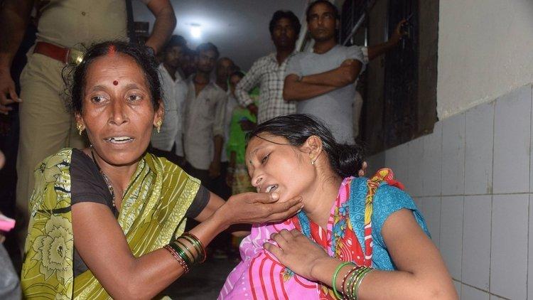 Hindistan'ın kuzeyindeki Gorakhpur kentinde bulunan bir hastanede 3 günde 35 çocuk hayatını kaybetti.
