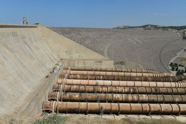 Atatürk Barajı 25 yılda 176 milyar kilovatsaat elektrik enerjisi üretti
