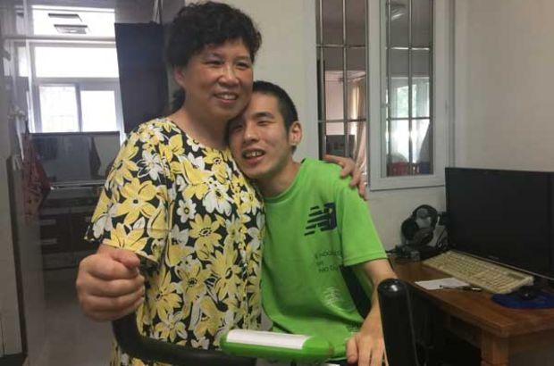 Guan Yanping: Çinli annenin prematüre oğlu için yaptıkları göz yaşarttı