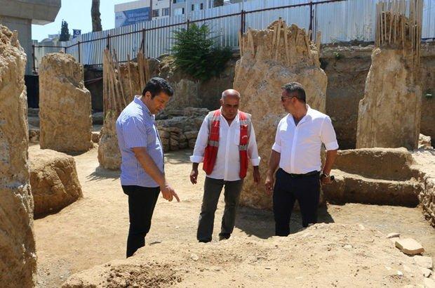 Kartal'daki Marmaray kazısında tarihi mezar kalıntılarına ulaşıldı