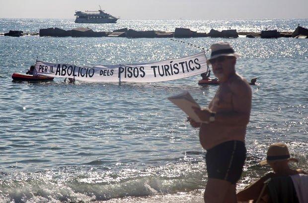 İspanya'da turizm karşıtı protesto!
