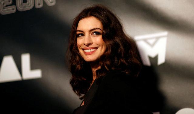 Hackerların son kurbanı Anne Hathaway oldu! Çıplak fotoğrafları...