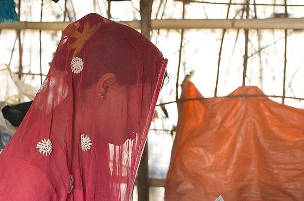 """Lübnan'da """"tecavüzcüye evlilik yoluyla af"""" yasası kaldırıldı"""