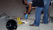 Motosiklette silahlı saldırıya uğradılar: 2 ölü