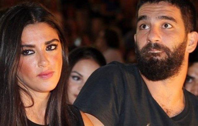 Arda Turan ile Aslıhan Doğan'ı evlendirdiler!
