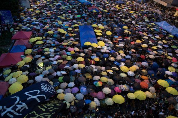 Hong Kong'da Şemsiye Devrimi hareketine hapis cezası