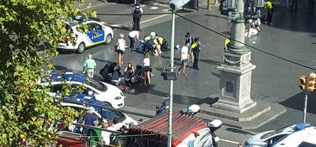 Barcelona'da bir araç kalabalığın arasına daldı: 13 ölü, 100 yaralı