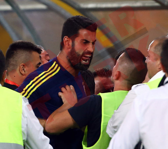 Vardar - Fenerbahçe maçında ortam gerildi