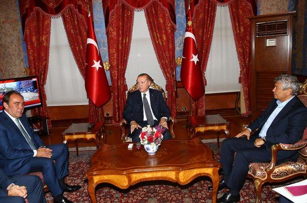 Cumhurbaşkanı Erdoğan futbolun zirvesini ağırladı