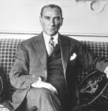 6 sayfada 15 Temmuz film eşliğinde Atatürk