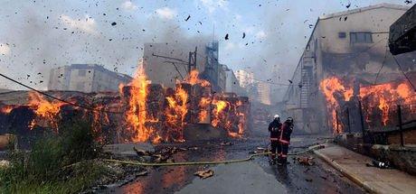 Sefaköy'de kağıt fabrikasında yangın