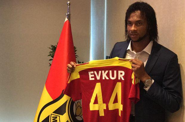 İmzayı attı, Süper Lig hakkında konuştu!