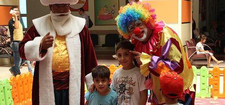 'Nasrettin Hoca' çocuklara hastaneyi sevdirdi