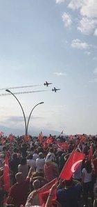 Türk Yıldızları şehit Eren Bülbül için uçtu!