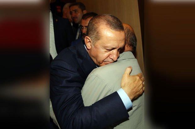 Erdoğan o isimle karşılaşınca duygu dolu anlar yaşandı