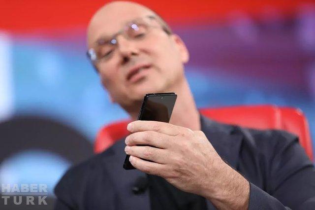 Essential Phone, Android 7.1.1 Nougat ile geliyor