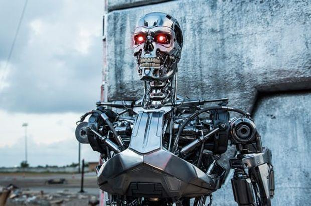 Elon Musk'tan katil robot uyarısı