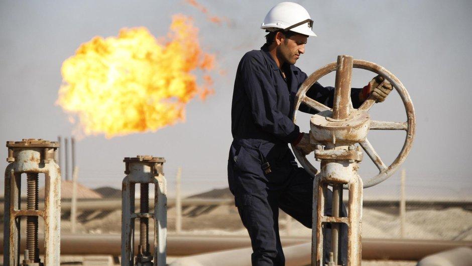 Dünyanın en büyüğü petrol işinden çıktı!