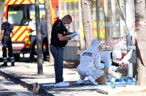 Marsilya'da araç iki otobüs durağına daldı: En az 1 ölü