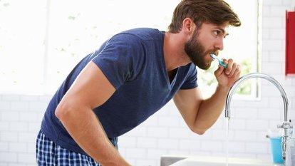 Leke çıkarıcı diş macunu kullananlara kötü haber!