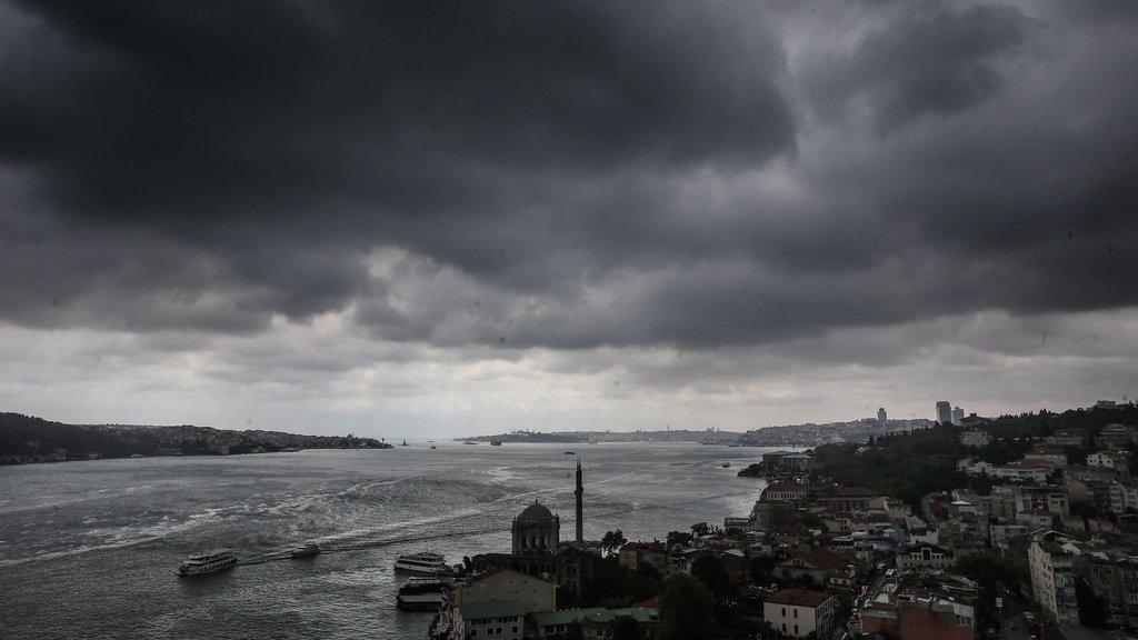 İstanbul'un tepesinde kümülonimbus turu!