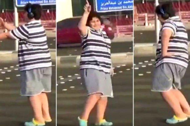 Suudi Arabistan'da sokakta Macarena dansı yapan çocuk gözaltına alındı! (video)