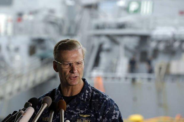 Filosundaki gemiler batınca, Koramiral Joseph Aucoin görevden alındı