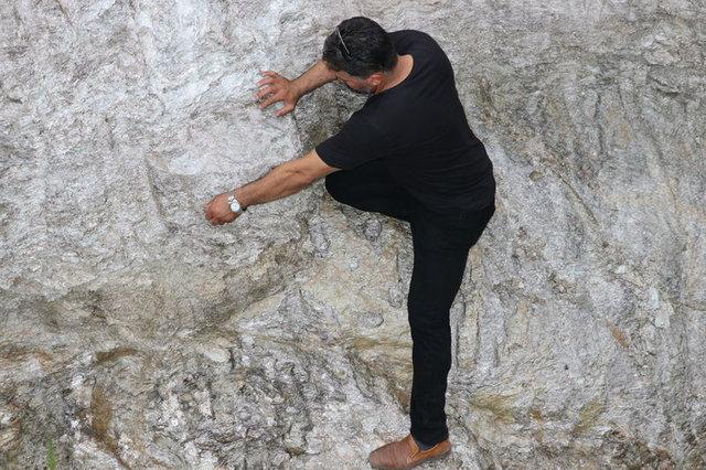 Manisa'da 12 bin yıllık volkanik kayalardan çömlek yapıyorlar