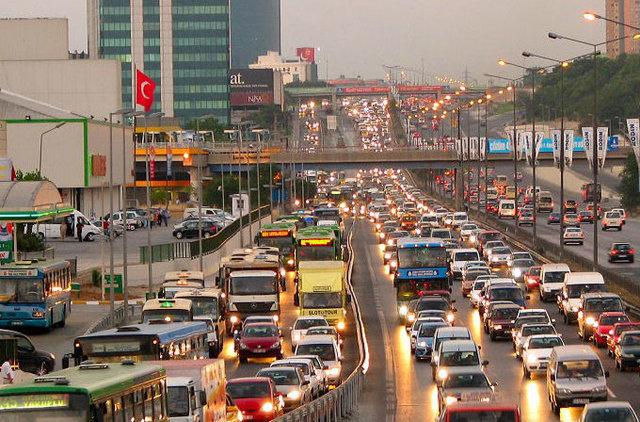 Yandex Navigasyon'da yazılan komik trafik yorumları