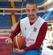 Tahincioğlu Basketbol Süper Ligi ekiplerinden Trabzonspor Basketbol, eski kaptanı Alper Saruhan ve Nijeryalı Chris Obekpa ile sözleşme imzaladı