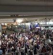 İstanbul Atatürk Havalimanı son günlerin en yoğun gününü bugün yaşadı.Kurban Bayramı tatiline şimdiden çıkanlarla hac için Suudi Arabistan