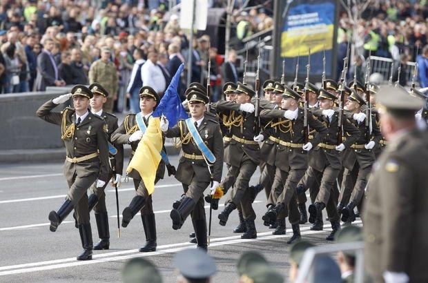 Kiev'de patlama! Bağımsızlık Günü'nü kutlarken patlama oldu