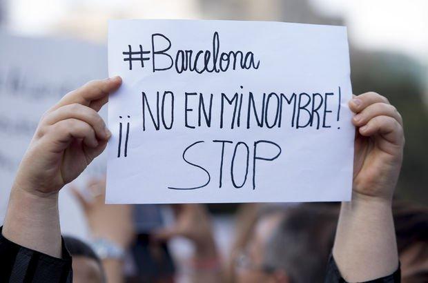Barcelona'da Müslüman kadını öldüresiye dövdüler!