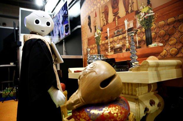 Budist cenaze törenlerini robotlar yönetecek