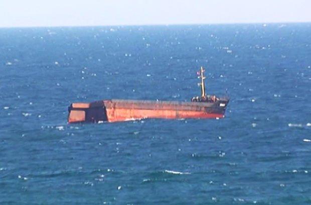 İstanbul Sarıyer Kilyos açıklarında yük gemisi ortadan ikiye ayrıldı