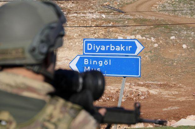 Diyarbakır'da terör örgütü PKK vahşeti! Aracı ateşe verip, öldürdüler