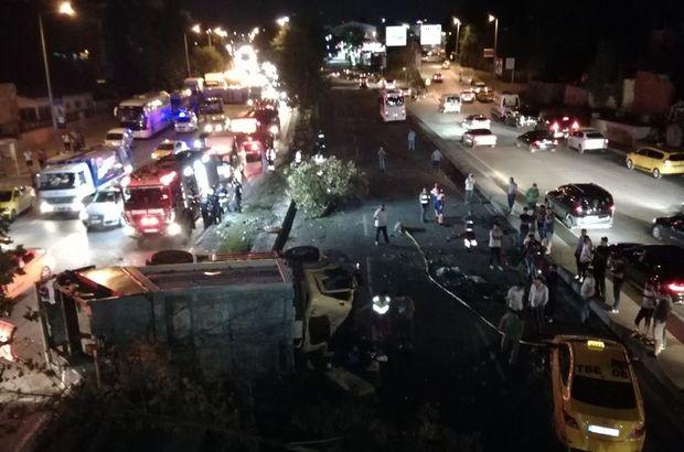 Şişli'de çöp kamyonu ile midibüs çarpıştı:  Kaza yeri adeta savaş alanına döndü